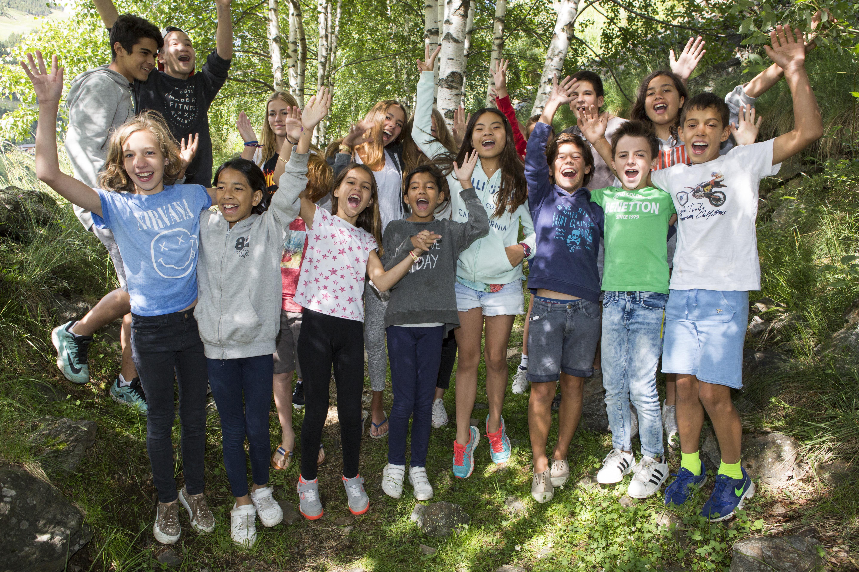 Imagen estudiantes en el campamento de inglés